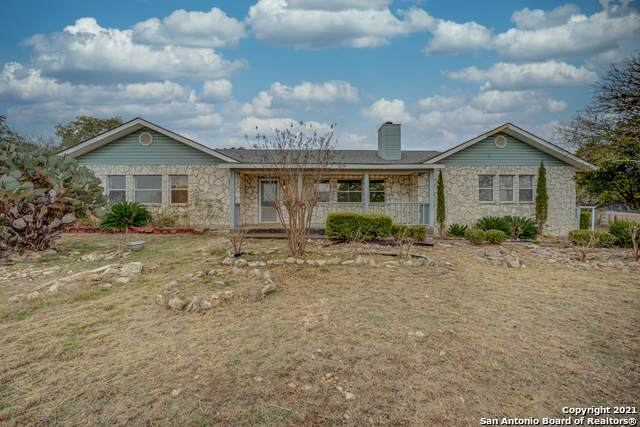 2951 Rolling Oaks Dr, New Braunfels, TX 78132 (MLS #1505959) :: The Lopez Group
