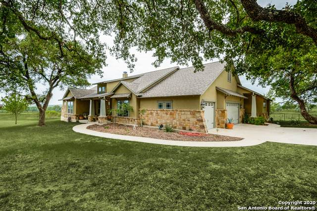 676 Highgate Dr, Bandera, TX 78003 (MLS #1505968) :: The Gradiz Group