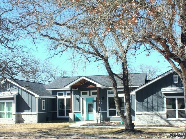 399 Shannon Ridge, Floresville, TX 78114 (MLS #1506015) :: Sheri Bailey Realtor