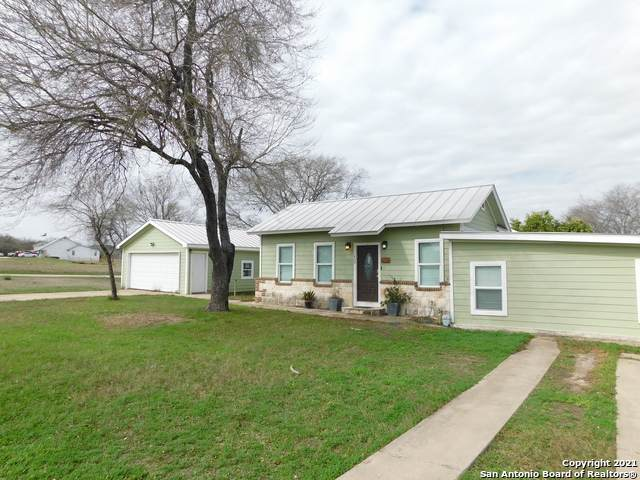 1409 Houston St, Castroville, TX 78009 (MLS #1506066) :: Williams Realty & Ranches, LLC