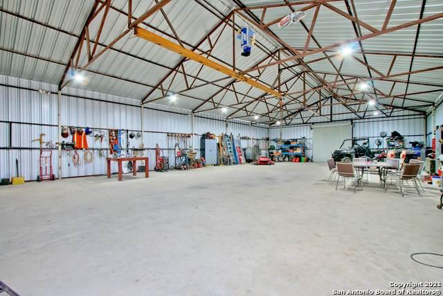 2239 Schwab Rd, Marion, TX 78124 (MLS #1506099) :: 2Halls Property Team | Berkshire Hathaway HomeServices PenFed Realty