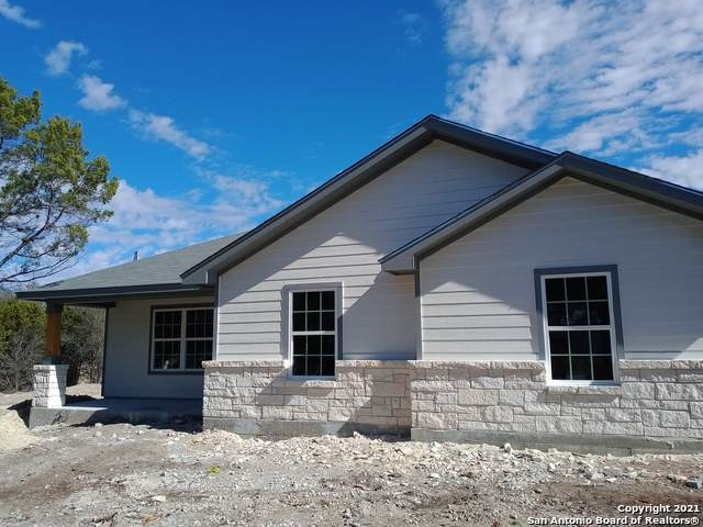 332 Lake Park Loop, Canyon Lake, TX 78133 (MLS #1506126) :: Sheri Bailey Realtor