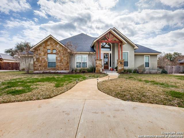 1621 Clover Rdg, Pleasanton, TX 78064 (MLS #1506150) :: Neal & Neal Team