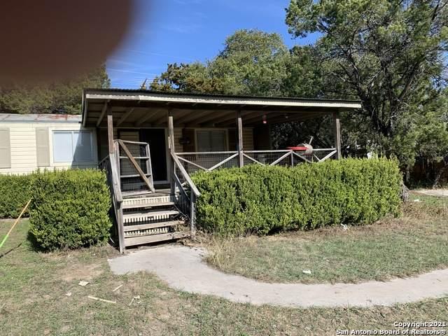 477 Ridgeview Dr, Canyon Lake, TX 78133 (MLS #1506209) :: Sheri Bailey Realtor