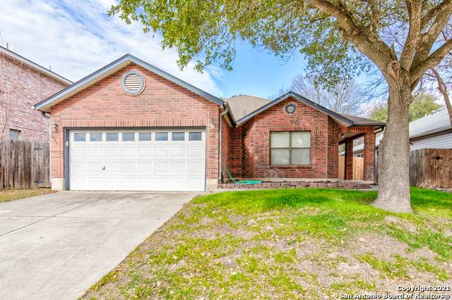 6445 Maverick Oak Dr, San Antonio, TX 78240 (MLS #1506274) :: 2Halls Property Team | Berkshire Hathaway HomeServices PenFed Realty