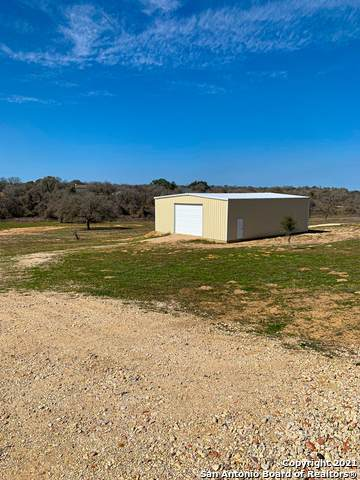 258 Broken Arrow, Floresville, TX 78114 (MLS #1506708) :: Williams Realty & Ranches, LLC
