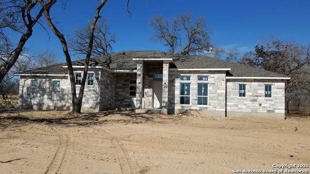 100 Owen Ridge, La Vernia, TX 78121 (MLS #1506830) :: Sheri Bailey Realtor