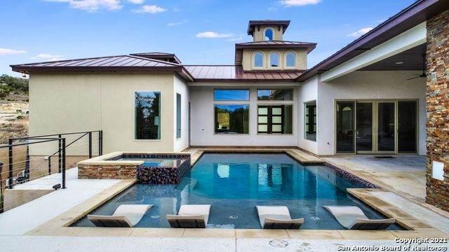 10205 Kendall Cyn, San Antonio, TX 78255 (MLS #1506923) :: Berkshire Hathaway HomeServices Don Johnson, REALTORS®