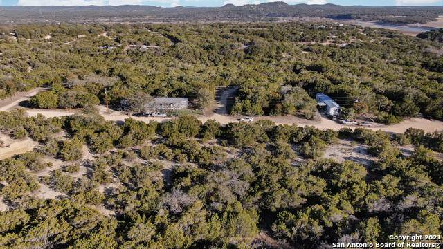 111 Camp Verde Rd, Bandera, TX 78003 (MLS #1507015) :: Concierge Realty of SA