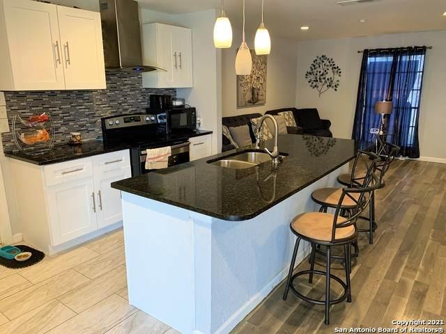 5126 Swann Ln, Kirby, TX 78219 (MLS #1507183) :: Berkshire Hathaway HomeServices Don Johnson, REALTORS®