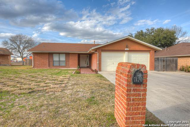 1120 Tumbleweed Dr, New Braunfels, TX 78130 (MLS #1507197) :: The Gradiz Group