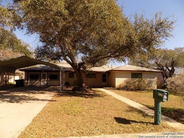 317 Lantana Ln, Pleasanton, TX 78064 (MLS #1507267) :: The Rise Property Group