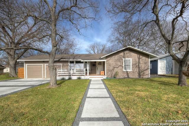 163 S Mesquite Ave, New Braunfels, TX 78130 (MLS #1507272) :: The Castillo Group
