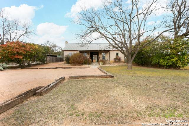 406 Cross Mountain Dr, Fredericksburg, TX 78624 (MLS #1507510) :: Concierge Realty of SA