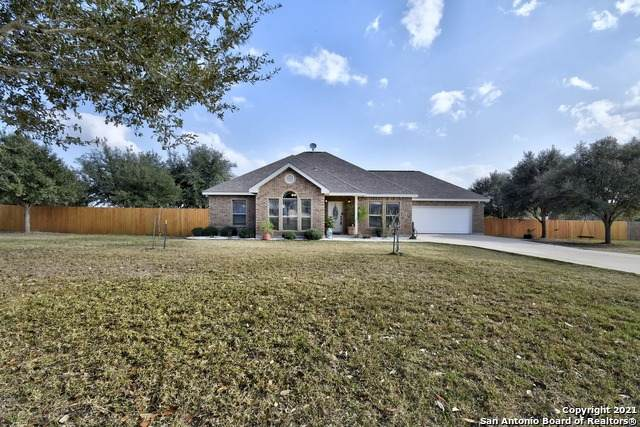 78 Oak Fields Dr, Floresville, TX 78114 (MLS #1507738) :: The Gradiz Group