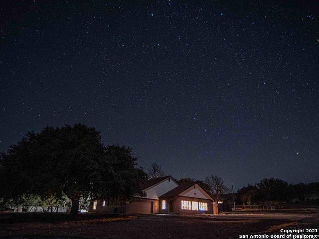 585 Witt Rd, Center Point, TX 78010 (MLS #1507794) :: The Mullen Group | RE/MAX Access