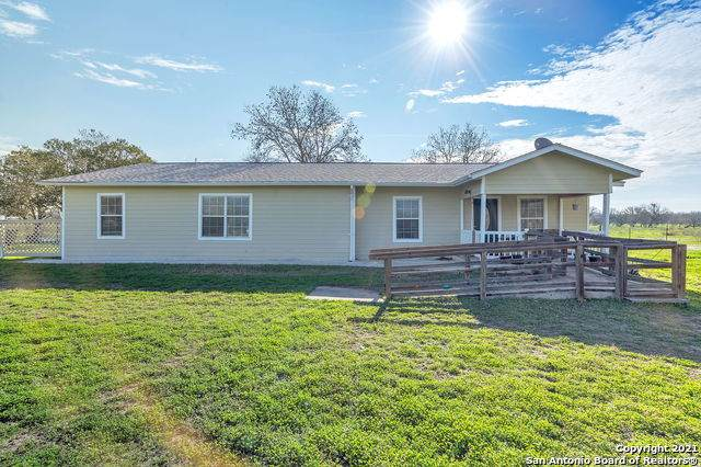 930 State Highway 132 N, Natalia, TX 78059 (MLS #1507861) :: Vivid Realty