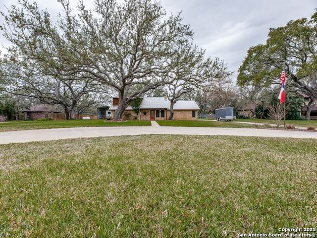 419 Eileen Dr, Pleasanton, TX 78064 (MLS #1508513) :: Williams Realty & Ranches, LLC