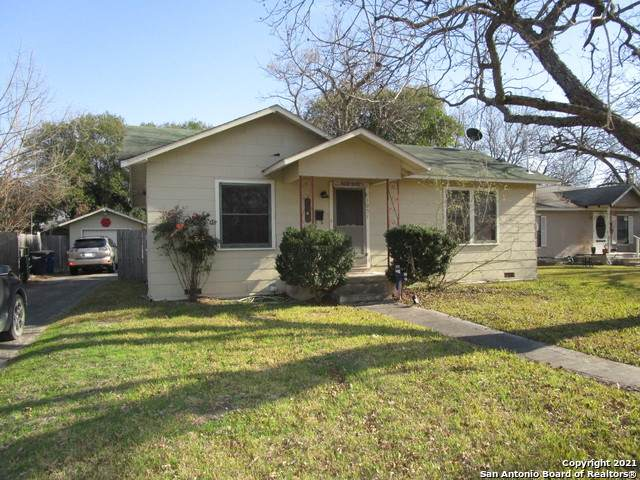 1051 W Bridge St, New Braunfels, TX 78130 (MLS #1508563) :: Berkshire Hathaway HomeServices Don Johnson, REALTORS®