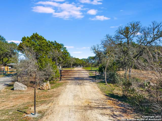 301 Caliche Trail, San Marcos, TX 78666 (MLS #1508634) :: Santos and Sandberg