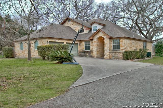 300 Guadalupe River Dr, Seguin, TX 78155 (MLS #1509094) :: Real Estate by Design