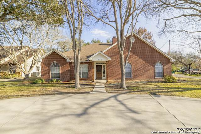 616 Vienna St, Castroville, TX 78009 (MLS #1509119) :: The Mullen Group | RE/MAX Access