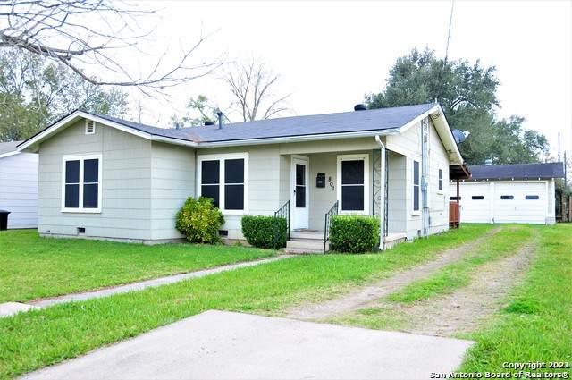 801 Buena Vista Ave, Victoria, TX 77901 (MLS #1509191) :: The Castillo Group