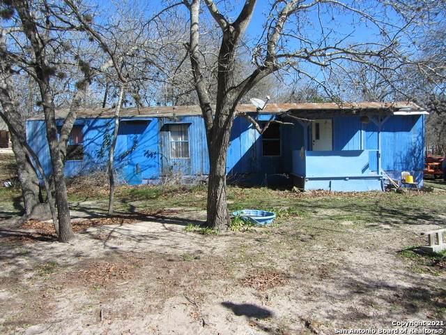22410 Mathis Rd, San Antonio, TX 78264 (MLS #1509209) :: Real Estate by Design