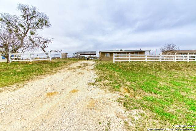 490 Brooks Ln, Poteet, TX 78065 (MLS #1509288) :: REsource Realty