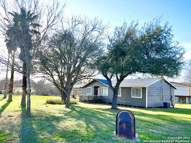 521 Quail Ln, Floresville, TX 78114 (MLS #1509300) :: The Mullen Group | RE/MAX Access