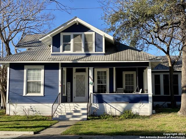 602 Hackberry St, Seguin, TX 78155 (MLS #1509373) :: The Mullen Group | RE/MAX Access