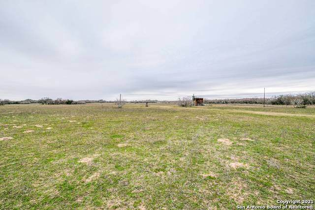 000 Smith Rd, Somerset, TX 78069 (MLS #1509551) :: Neal & Neal Team