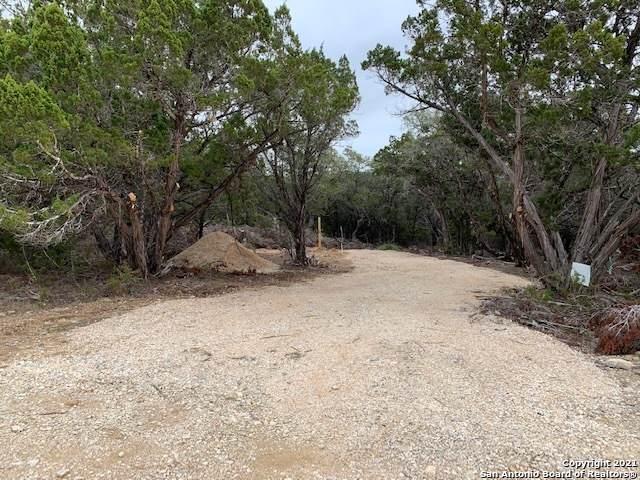 433 Camp Verde Rd, Bandera, TX 78003 (MLS #1509638) :: Real Estate by Design