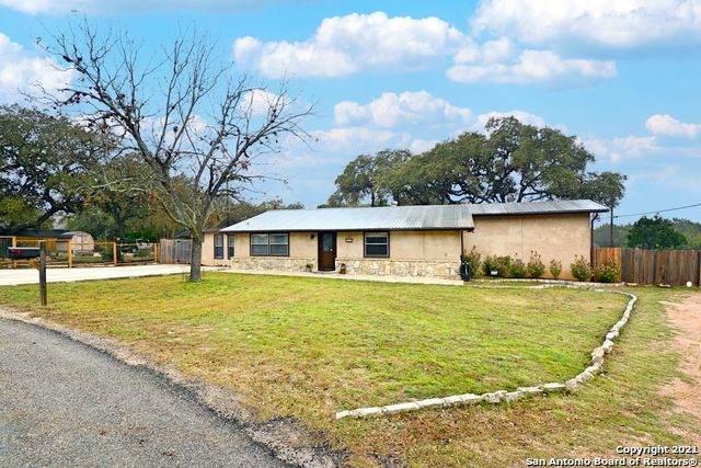 755 Ridgerock Dr, Canyon Lake, TX 78133 (MLS #1509641) :: The Gradiz Group