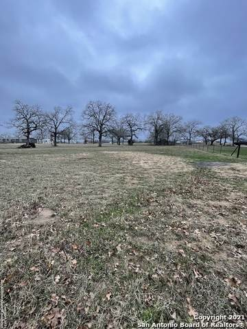 1260 County Road 425, Stockdale, TX 78160 (MLS #1509706) :: The Mullen Group | RE/MAX Access
