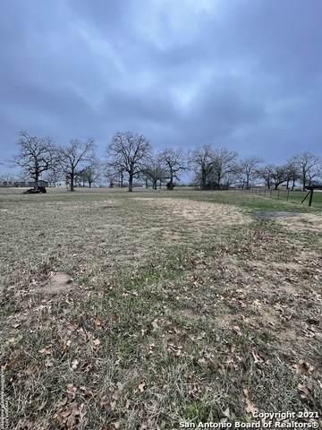 1260 County Road 425, Stockdale, TX 78160 (MLS #1509706) :: Berkshire Hathaway HomeServices Don Johnson, REALTORS®