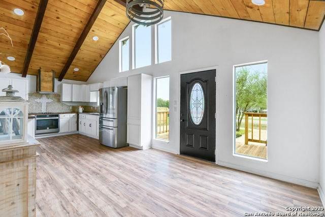 1308 N Davidson St, Karnes City, TX 78118 (MLS #1509753) :: Vivid Realty