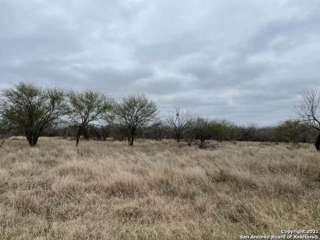 131 County 2672, Moore, TX 78057 (MLS #1510034) :: Keller Williams Heritage