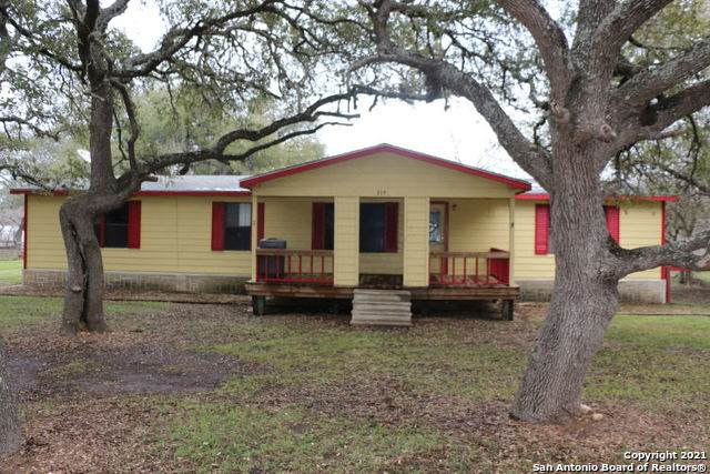 314 County Road 468, Castroville, TX 78009 (MLS #1510144) :: The Gradiz Group