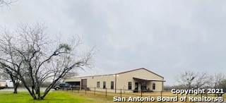 8165 County Road 401, Floresville, TX 78114 (MLS #1510283) :: The Gradiz Group