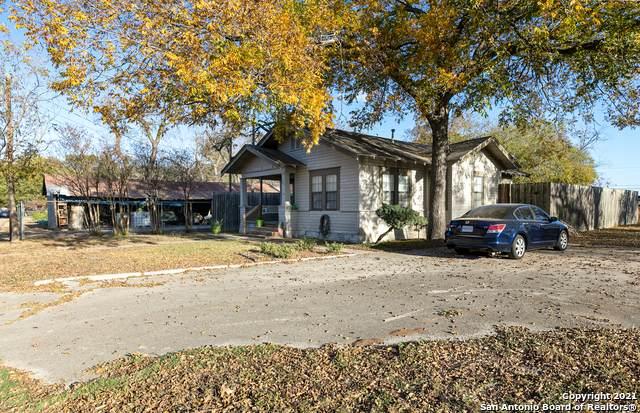 704 Exchange Ave, Schertz, TX 78154 (MLS #1510334) :: HergGroup San Antonio Team