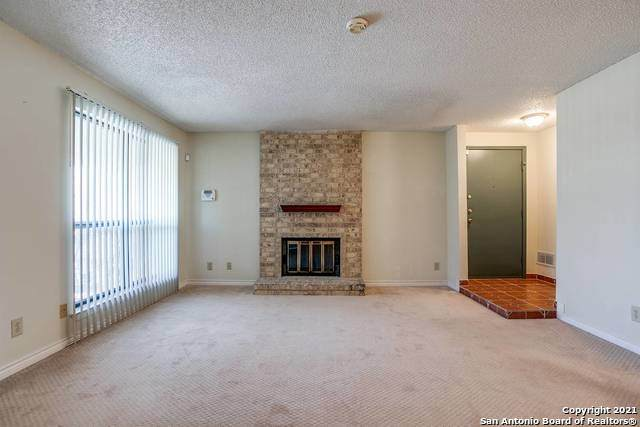 11843 Braesview #1004, San Antonio, TX 78213 (MLS #1510396) :: The Gradiz Group