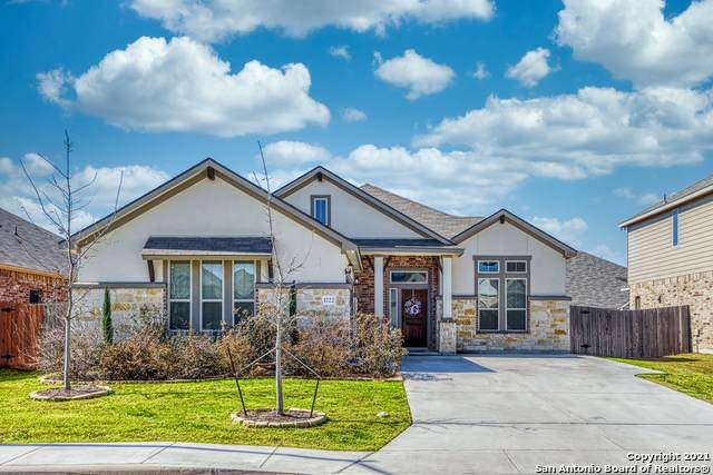 1722 Village Springs, New Braunfels, TX 78130 (MLS #1510460) :: Real Estate by Design