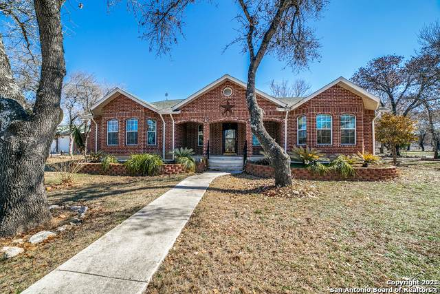 205 County Road 7721, Natalia, TX 78059 (MLS #1510508) :: The Gradiz Group