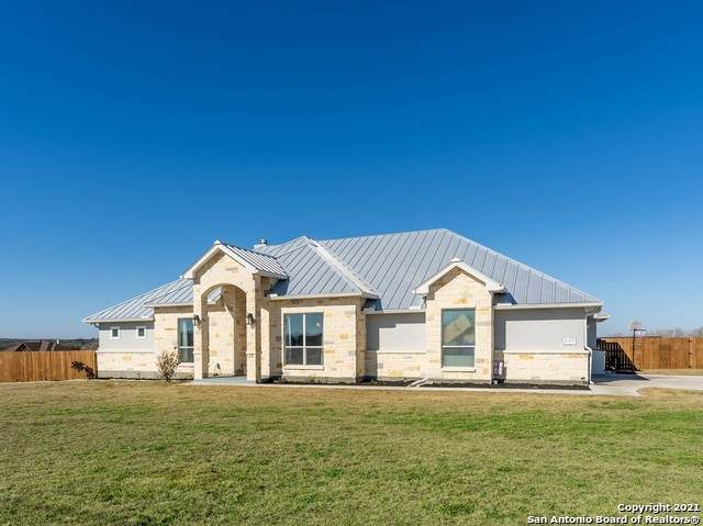 132 Westfield Rnch, La Vernia, TX 78121 (MLS #1510879) :: The Castillo Group