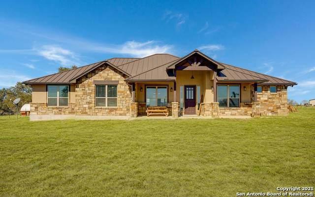 1579 County Road 7711, Devine, TX 78016 (MLS #1510888) :: Concierge Realty of SA