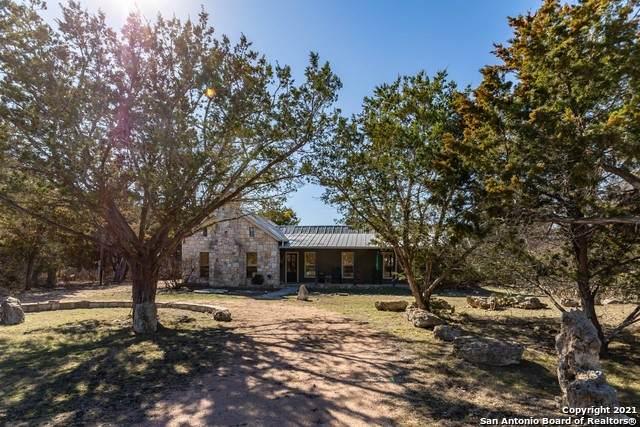 172 Cedar Cliff Loop, Hunt, TX 78024 (MLS #1510908) :: The Lugo Group