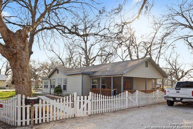 1172 Pecan Pt, Seguin, TX 78155 (MLS #1510941) :: Keller Williams Heritage