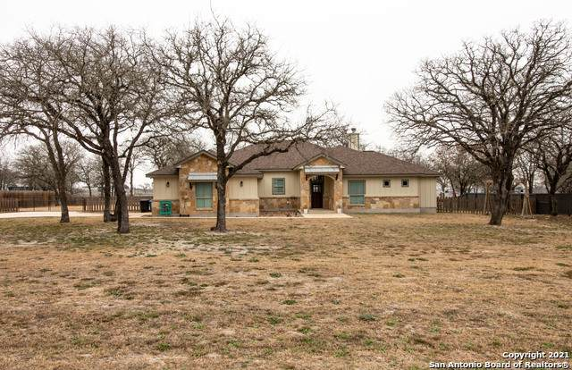 164 Sendera Crossing, La Vernia, TX 78121 (MLS #1511273) :: The Castillo Group