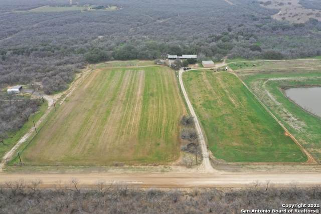 917 County Road 2400, Moore, TX 78057 (MLS #1511338) :: Concierge Realty of SA